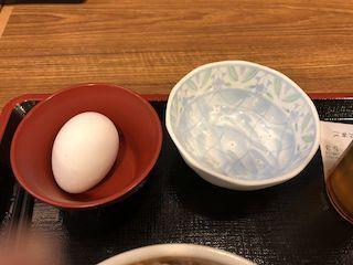 牛丼屋の生卵2